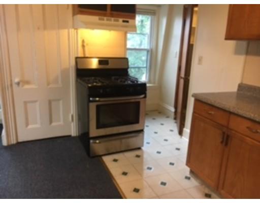 Casa Unifamiliar por un Alquiler en 170 Central Street Somerville, Massachusetts 02145 Estados Unidos