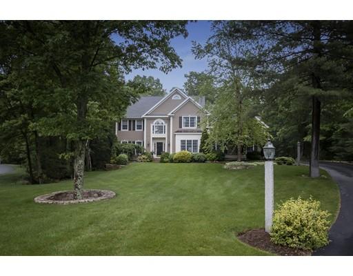 Maison unifamiliale pour l Vente à 10 Kidder Lane Southborough, Massachusetts 01772 États-Unis