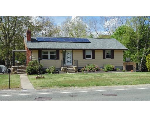 Maison unifamiliale pour l Vente à 107 Elm Street Blackstone, Massachusetts 01504 États-Unis