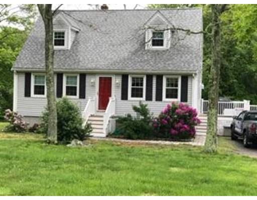 Casa Unifamiliar por un Venta en 55 Glendale Street Tiverton, Rhode Island 02878 Estados Unidos