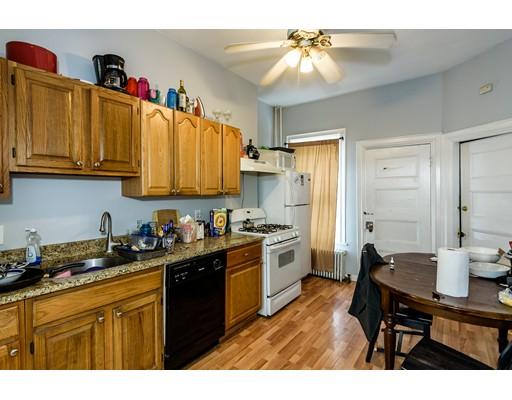 独户住宅 为 出租 在 83 Surrey Street 波士顿, 马萨诸塞州 02135 美国