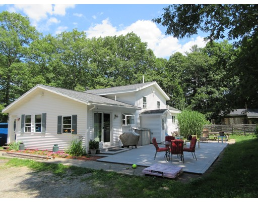 Single Family Home for Sale at 192 Stafford Street Charlton, Massachusetts 01507 United States