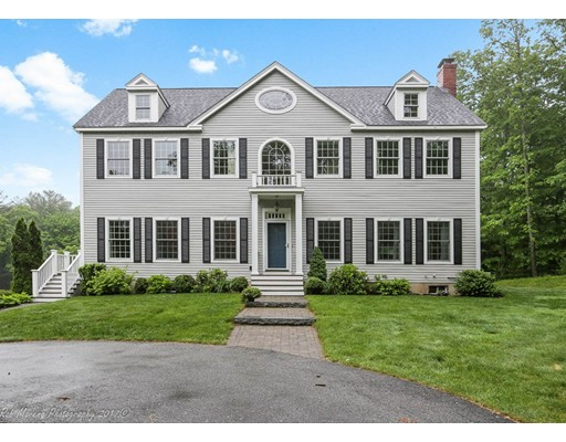 Single Family Home for Sale at 15 East Topsfield, Massachusetts 01983 United States