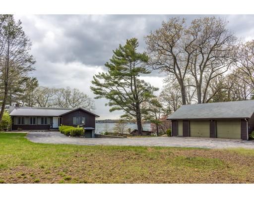 واحد منزل الأسرة للـ Sale في 20 Westwind Drive Webster, Massachusetts 01570 United States