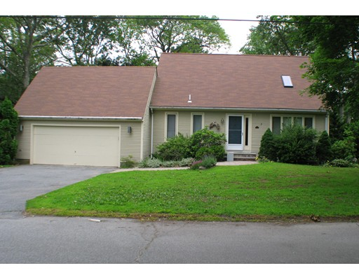 Additional photo for property listing at 1 Tangelwood  Barrington, Rhode Island 02806 Estados Unidos