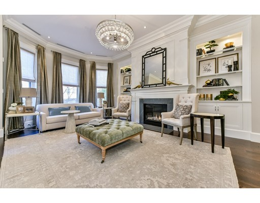Appartement en copropriété pour l Vente à 4 Marlborough #PH 4 Marlborough #PH Boston, Massachusetts 02116 États-Unis