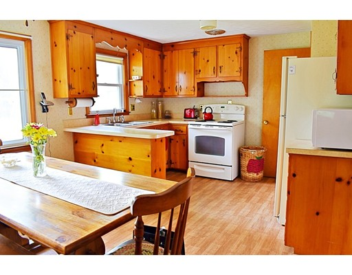 Single Family Home for Sale at 16 Shady Knoll Drive Longmeadow, Massachusetts 01106 United States