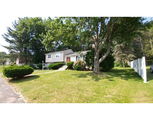 Additional photo for property listing at 11 Ashmont Road  Wellesley, Massachusetts 02481 Estados Unidos