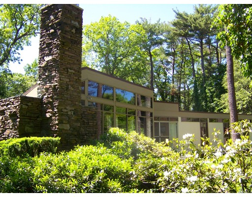 独户住宅 为 销售 在 31 Howland Lane 31 Howland Lane 欣厄姆, 马萨诸塞州 02043 美国
