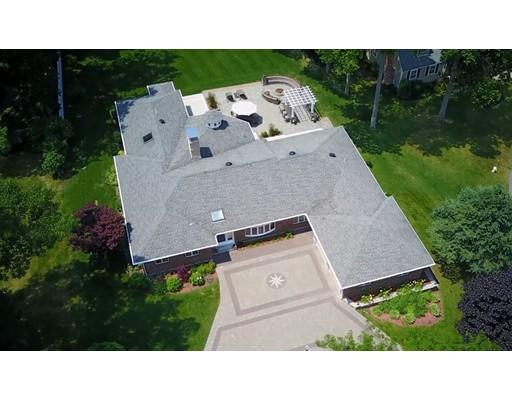 Частный односемейный дом для того Продажа на 18 TREETOPS LANE 18 TREETOPS LANE Danvers, Массачусетс 01923 Соединенные Штаты