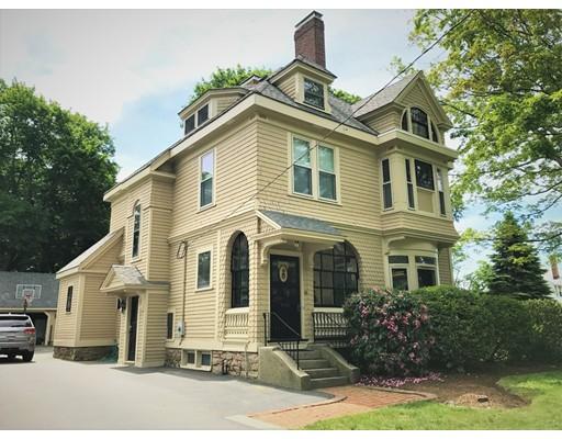 独户住宅 为 销售 在 50 South Street Foxboro, 马萨诸塞州 02035 美国