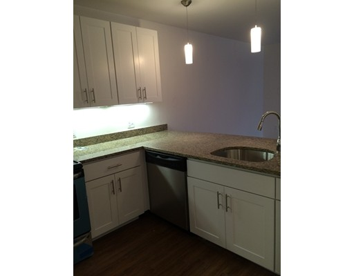 Additional photo for property listing at 8 Dustin Street  Boston, Massachusetts 02135 Estados Unidos