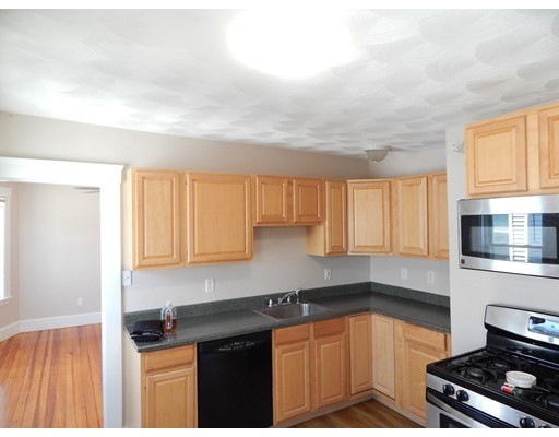 Additional photo for property listing at 29 W Wyoming Avenue  Melrose, Massachusetts 02176 Estados Unidos