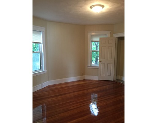 独户住宅 为 出租 在 53 Woolson Street 波士顿, 马萨诸塞州 02126 美国