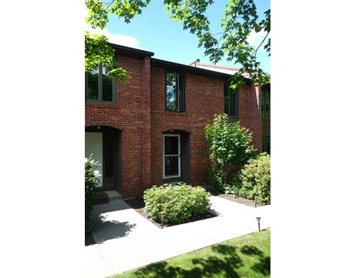 4 Bedford Ct 4, Amherst, MA 01002