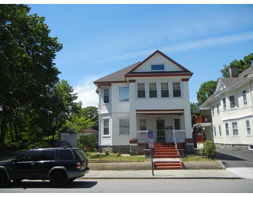 Casa Multifamiliar por un Venta en 51 Coolidge Street Lawrence, Massachusetts 01843 Estados Unidos