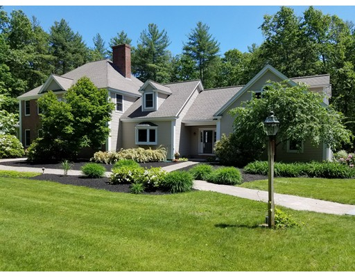 Single Family Home for Sale at 348 Chicopee Row Groton, Massachusetts 01450 United States