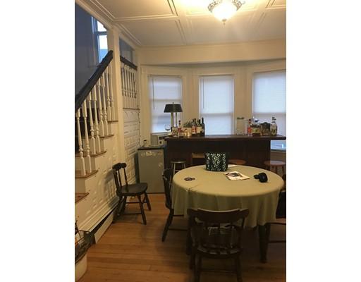 Casa Unifamiliar por un Alquiler en 701 Cambridge Street Boston, Massachusetts 02135 Estados Unidos