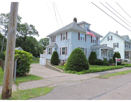 Casa Unifamiliar por un Venta en 68 HOWARD Norwood, Massachusetts 02062 Estados Unidos