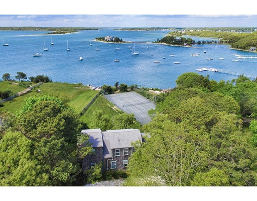 Частный односемейный дом для того Продажа на 276 Scraggy Neck Road Bourne, Массачусетс 02532 Соединенные Штаты