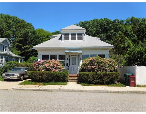58 Staples St, Lowell, MA 01851