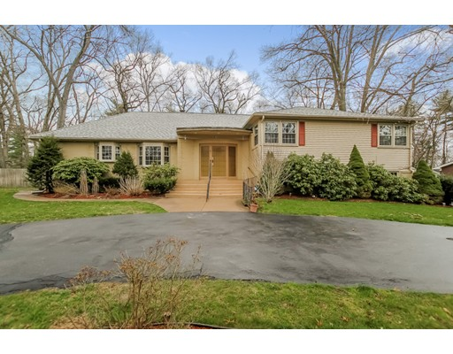 Single Family Home for Rent at 97 Lynnwood Drive 97 Lynnwood Drive Longmeadow, Massachusetts 01106 United States