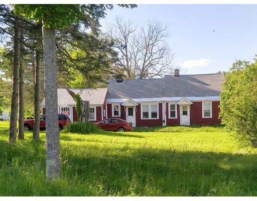 واحد منزل الأسرة للـ Sale في 475 Route 20 Chester, Massachusetts 01011 United States