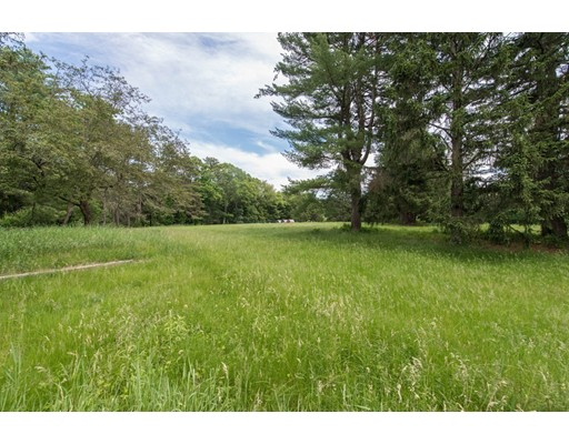 52 Gun Club Ln, Weston, MA 02493