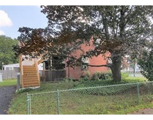 Maison unifamiliale pour l à louer à 528 Kings Hwy West Springfield, Massachusetts 01089 États-Unis