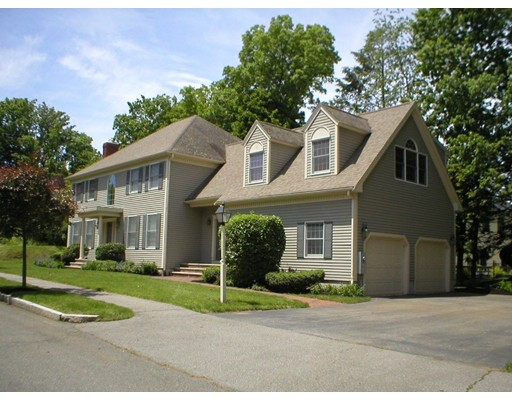 Single Family Home for Sale at 1 Cowdry Lane Wakefield, Massachusetts 01880 United States