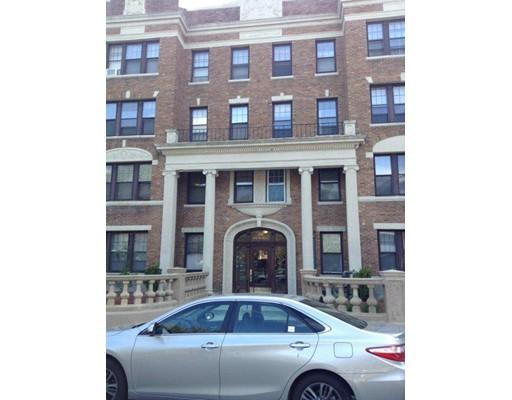 独户住宅 为 出租 在 28 Sidlaw 波士顿, 马萨诸塞州 02135 美国