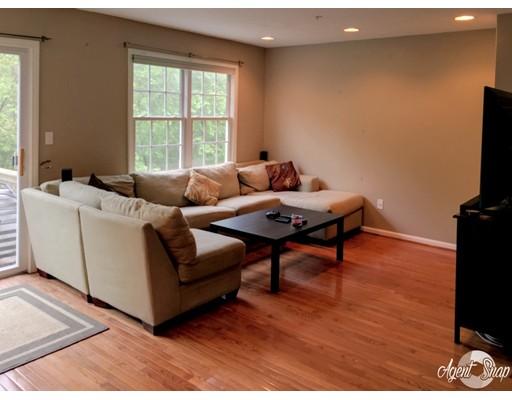 Condominio por un Venta en 1113 Thayer Street Abington, Massachusetts 02351 Estados Unidos