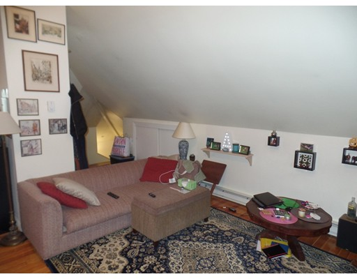 Casa Unifamiliar por un Alquiler en 11 Portina Boston, Massachusetts 02135 Estados Unidos