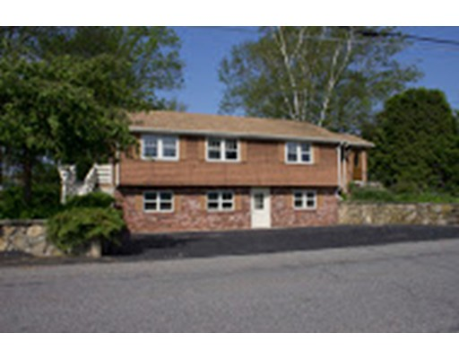 Single Family Home for Sale at 60 Taft Avenue 60 Taft Avenue Mendon, Massachusetts 01756 United States