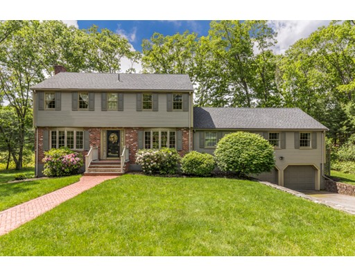 8 Heath Circle, Lynnfield, MA 01940