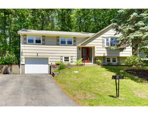Maison unifamiliale pour l Vente à 30 Crystal Circle Burlington, Massachusetts 01803 États-Unis