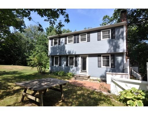Maison unifamiliale pour l Vente à 215 Middle Road Boxborough, Massachusetts 01719 États-Unis