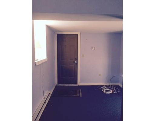 Additional photo for property listing at 82 Verchild  Quincy, Massachusetts 02169 United States