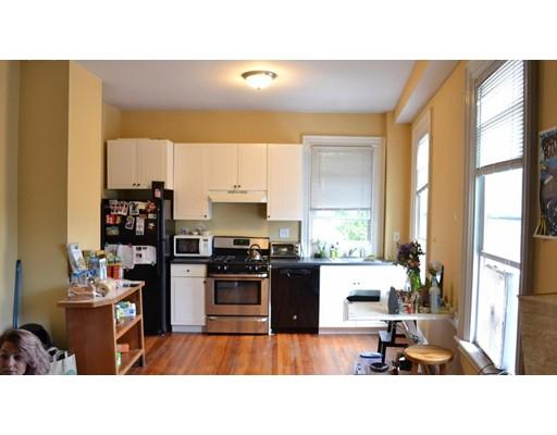 Casa Unifamiliar por un Alquiler en 1095 Cambridge Street Cambridge, Massachusetts 02139 Estados Unidos