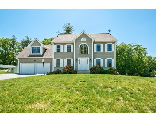 واحد منزل الأسرة للـ Sale في 9 Rockridge Road Hopedale, Massachusetts 01747 United States