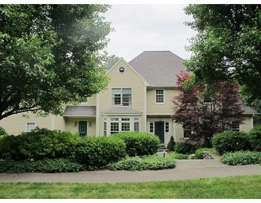 Single Family Home for Sale at 61 LEXINGTON CIRCLE Holden, Massachusetts 01520 United States