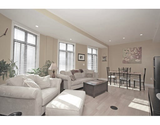 Additional photo for property listing at 424 Massachusetts Avenue  波士顿, 马萨诸塞州 02118 美国
