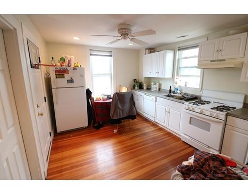 Casa Unifamiliar por un Alquiler en 116 Old Harbor Street Boston, Massachusetts 02127 Estados Unidos