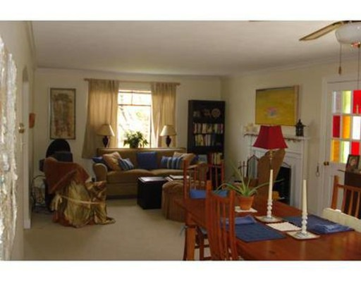Additional photo for property listing at 115 Withington #115 115 Withington #115 Newton, Massachusetts 02460 États-Unis