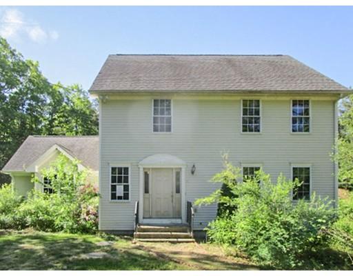 Maison unifamiliale pour l Vente à 11 Old Summit Road Coventry, Rhode Island 02827 États-Unis