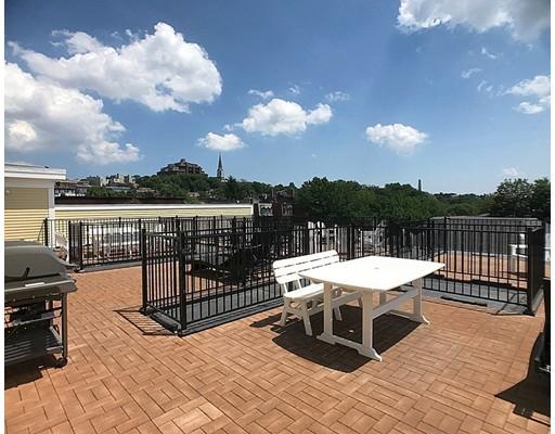 独户住宅 为 出租 在 463 Rutherford Avenue 波士顿, 马萨诸塞州 02129 美国