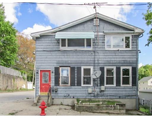 多户住宅 为 销售 在 2 Yolande Place Woonsocket, 罗得岛 02895 美国