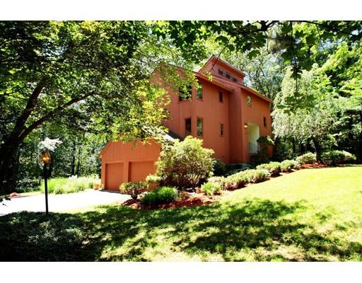 واحد منزل الأسرة للـ Sale في 19 Stonehedge Road Bellingham, Massachusetts 02019 United States