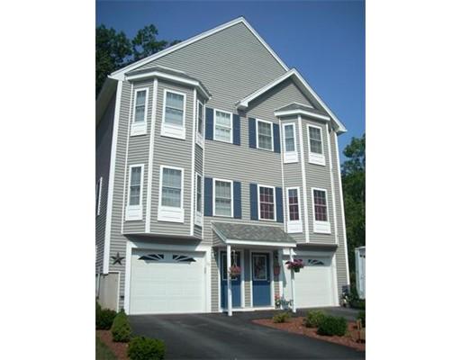 Single Family Home for Rent at 10 Mill Street Merrimac, Massachusetts 01860 United States