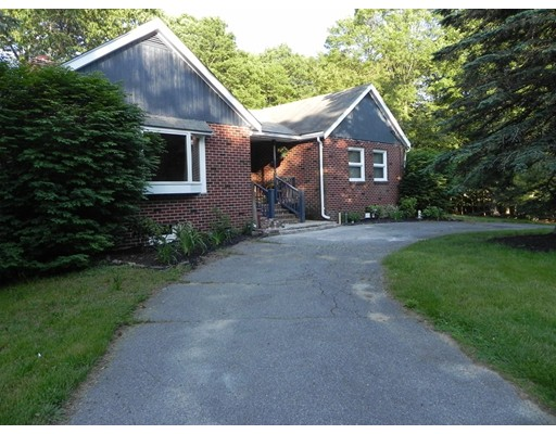 Single Family Home for Sale at 557 Main Street Boxford, Massachusetts 01921 United States